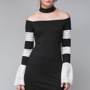 vestido corto en blanco y negro con cuello bandeja y boleros en las mangas