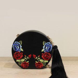 clutch negro con flores