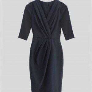 vestido negro de manga tres cuartos cuello en v y prense en la cintura