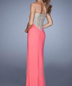 Vestido de fiesta color coral espalda