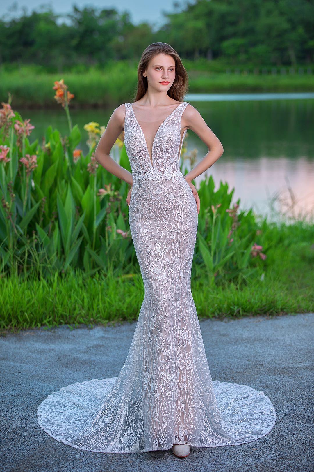 Vestido de novia sirena color mocca