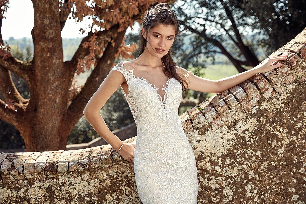 Vestido de novia sirena con cuello en v