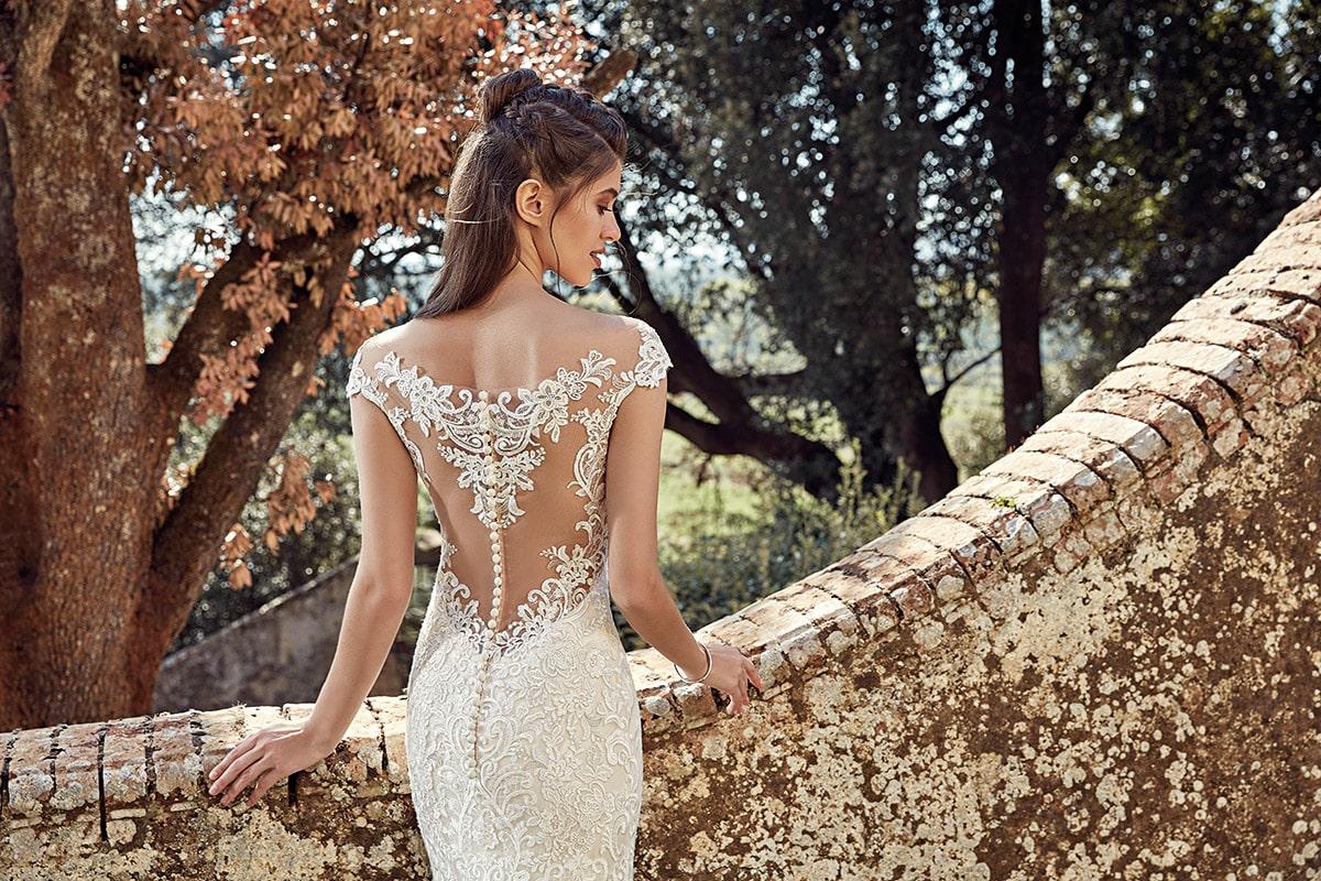 vestido de novia estilo sirena con espalda cubierta
