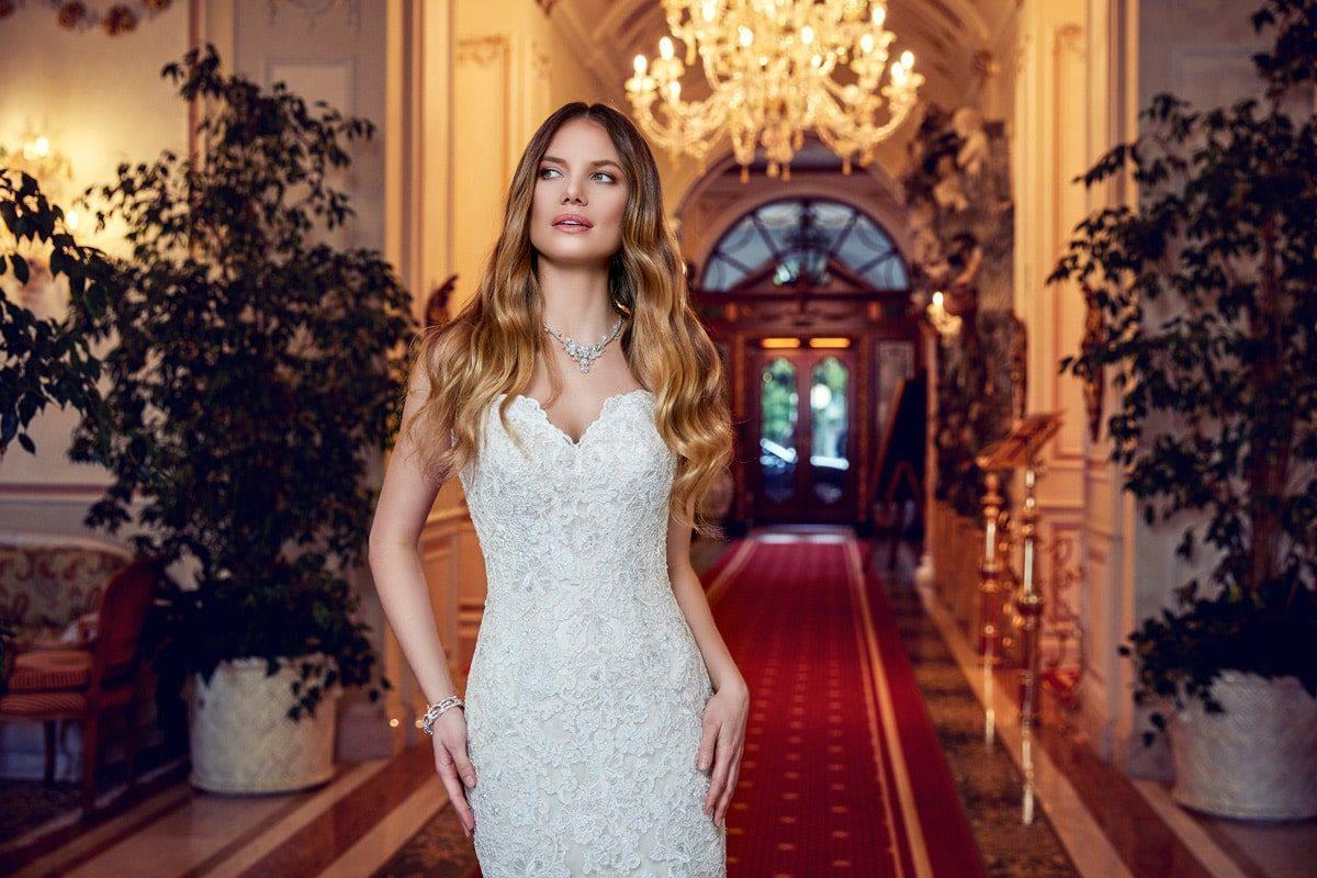 Vestido de novia sirena strapless EK1151 escote corazon