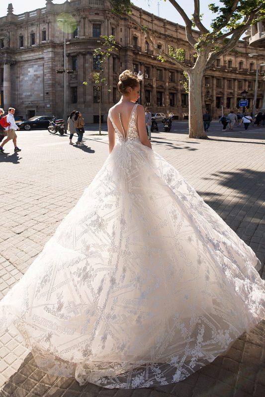 Vestido de novia linea A con espalda con efecto tatuaje