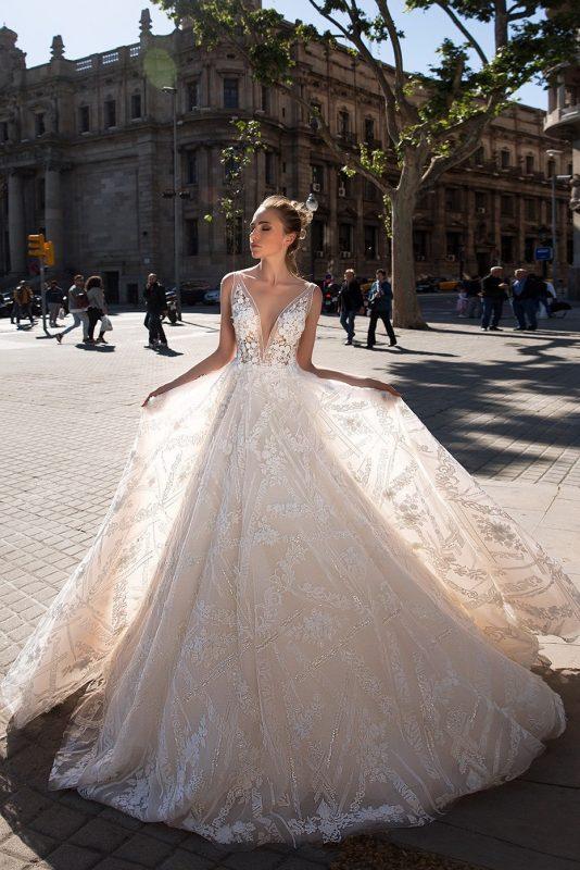 vestido de novia línea A disponible en alquiler en Bogotá
